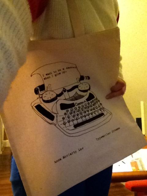 typewriter tote 1
