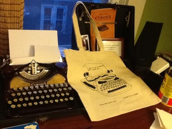 typewriter tote 3